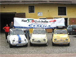 German-Italian friendship: The visit of the Fiat 500 Club Italia