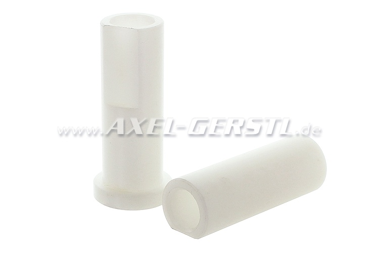 Set of bushings for brake- and clutch pedal