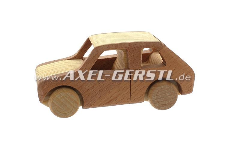 Modello Fiat 126, legno naturale lavorato a mano