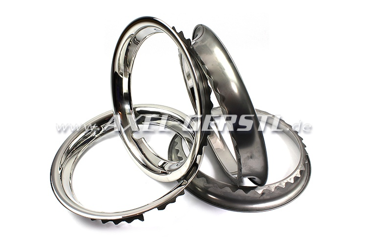 Wheel trim rings