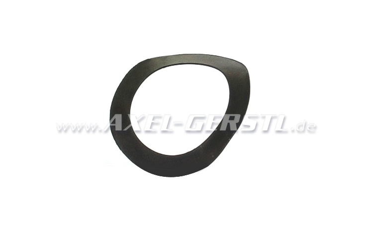 Spring ring for differential/drive shaft bolt